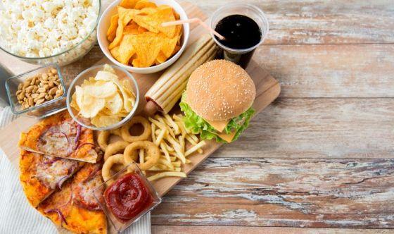 Il fast food produce gli effetti di un'infezione batterica