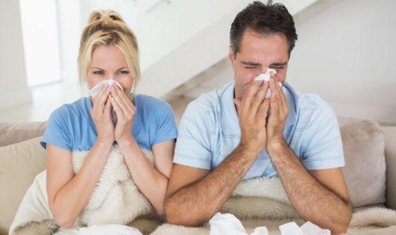 Allergie primaverili: sintomi diversi per lui e per lei