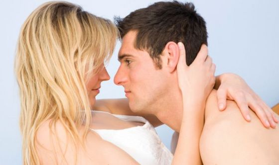 Fare sesso regolarmente per aumentare la fertilità