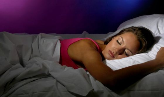 Chi dorme il giusto si assenta meno dal lavoro
