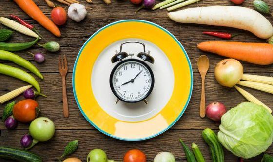 Cronodieta: orologio biologico  e calorie