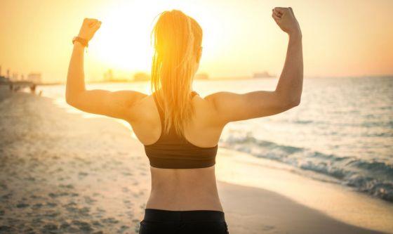 Fitness in spiaggia: divertirsi facendo allenamento