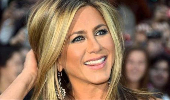 Jennifer Aniston testimonial di un farmaco