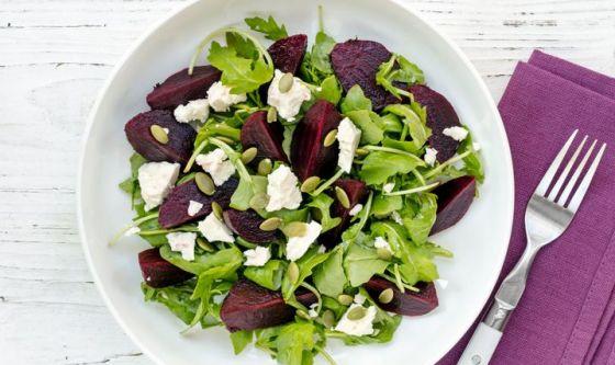 Formaggio fresco e insalata: binomio perfetto e light