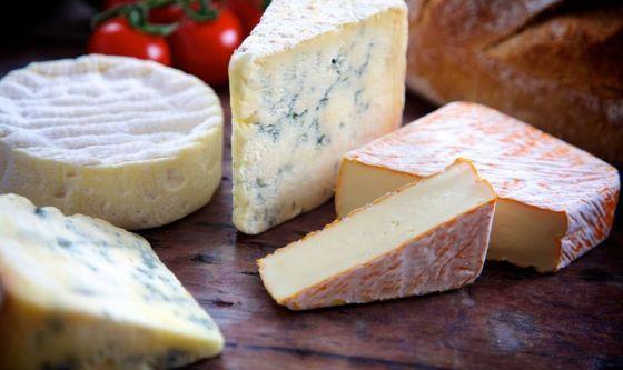 Prevenire le malattie cardiovascolari grazie al formaggio