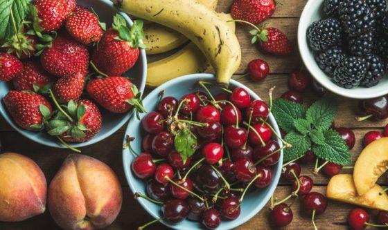 Frutta di stagione e bambini: i consigli del pediatra