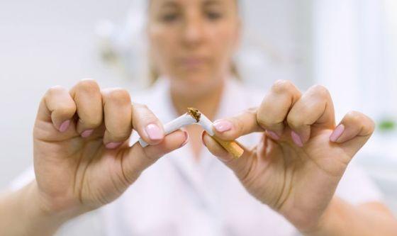 Proteggi le ossa, smetti di fumare: appello degli ortopedici