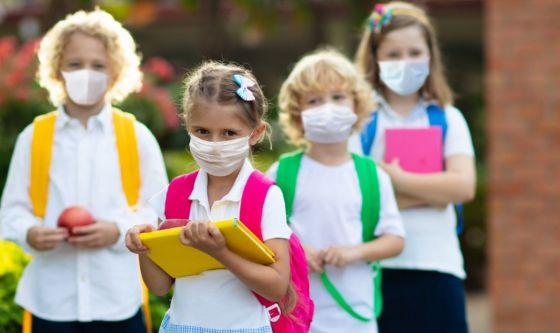 Con la pandemia la scuola ha diviso e continua a dividere