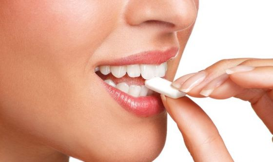 L'inganno dei chewing gum che puliscono i denti