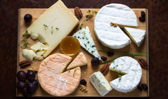Attenzione ai formaggi a pasta molle in gravidanza