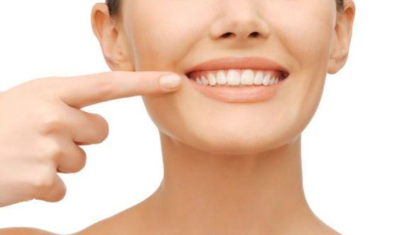 Igiene orale: ecco la manovra che elimina la placca nascosta