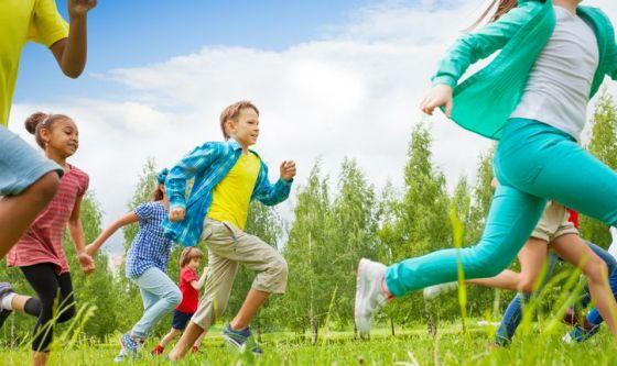 Bimbi: al parco e a casa, attenzione a traumi e cadute