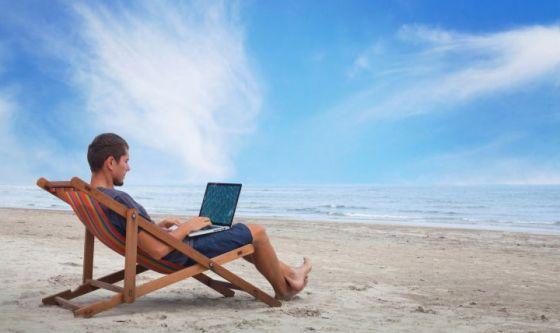 9 italiani su 10 disturbati in vacanza per motivi di lavoro
