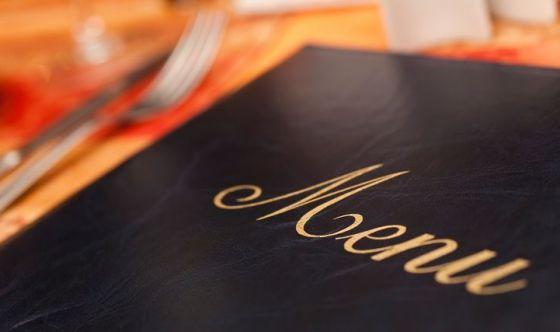Italiani al ristorante: star bene e socialità al primo posto
