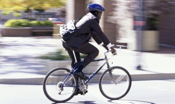 Fino a 7 kg in meno per chi va a lavorare a piedi o in bici