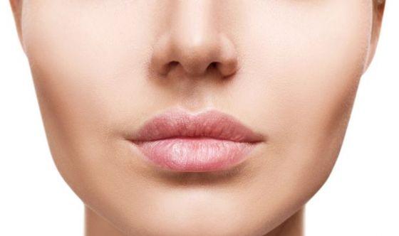 Labbra lisce e carnose: 3 consigli (più 1) a prova d'inverno