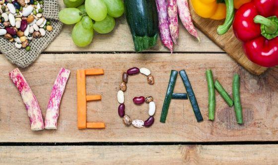 Addio alla dieta vegana per 2 italiani su 3