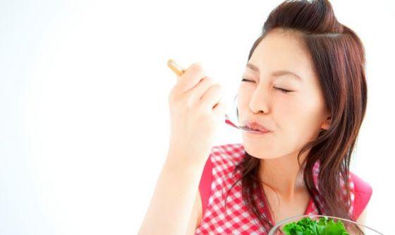 Mangiare lentamente: il segreto per dimagrire