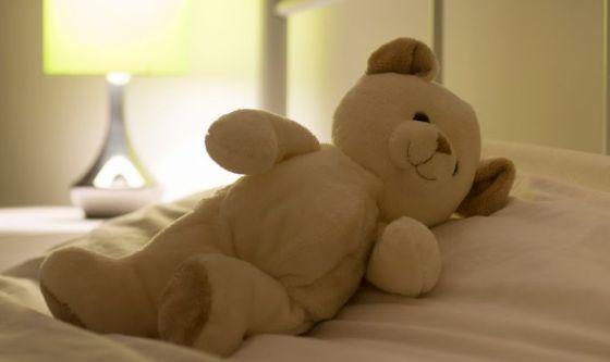 Dormire con i bambini può essere pericoloso