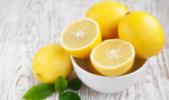 La dieta del limone: più sgonfi grazie al giallo