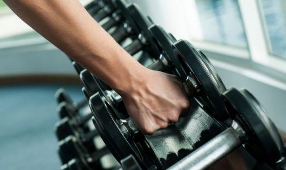 Tre buoni motivi per preferire i pesi liberi alle macchine