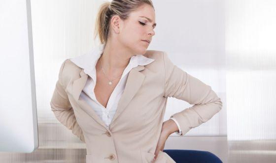 Mal di schiena: più dei farmaci giovano i buoni consigli