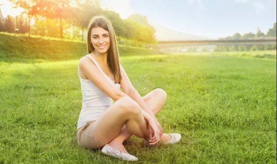 Meditare e sorridere con lo Yoga della Risata