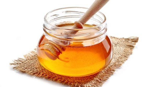 Miele d'api: dolce nettare di salute