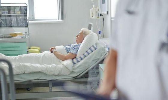 Tre milioni di malati curati a pezzi: tornano in ospedale
