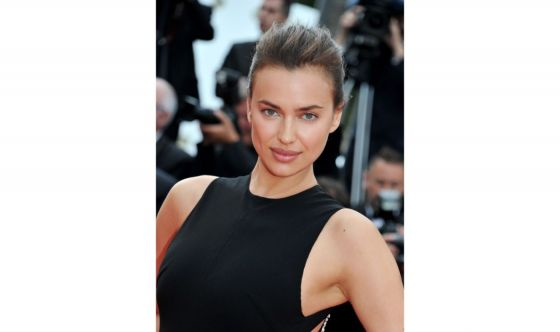 Look da red carpet per Irina Shayk