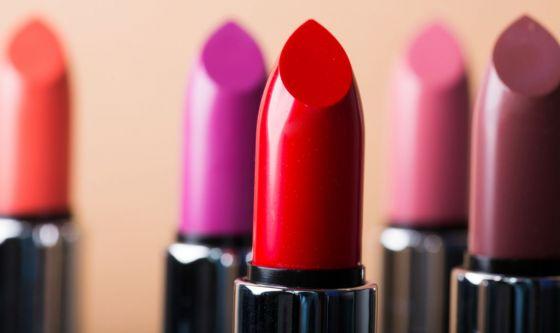Rossetti e tinte labbra: colore e protezione 2in1