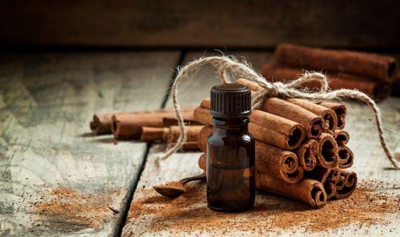 Gli utilizzi e le proprietà dell'olio essenziale di cannella