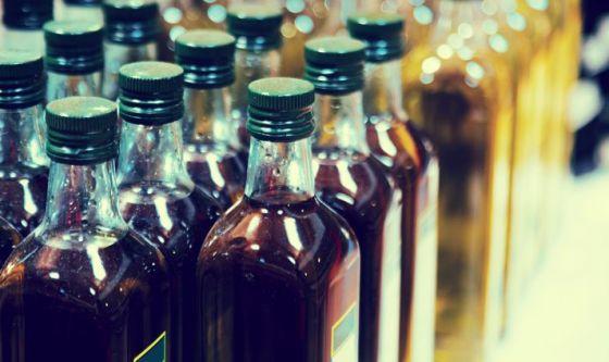 Olio extravergine d'oliva: non facciamolo abbronzare