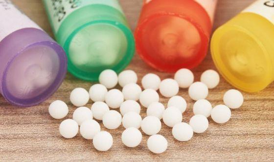 Omeopatia: una pseudo-scienza non superiore al placebo