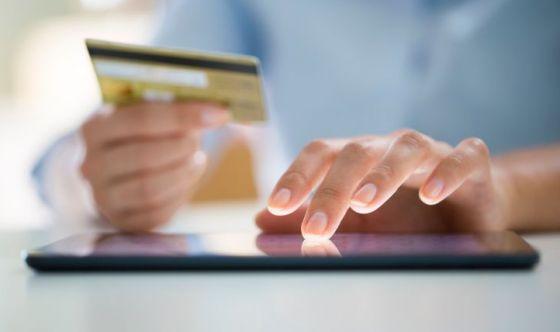 Acquisti online? Sì ma gli italiani non rinunciano ai negozi