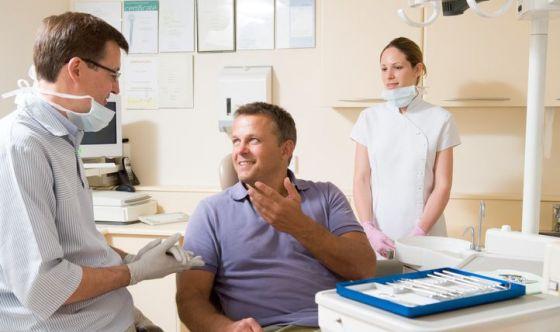 Antibiotici dal dentista: inutili nel 50% dei casi