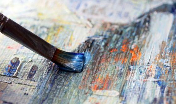 Pittura e teatro, un aiuto contro la malattia