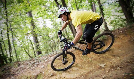 Pedalando in bicicletta: il decalogo dell'esperto