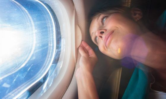 Viaggio in aereo? Il beauty kit da portare con sé