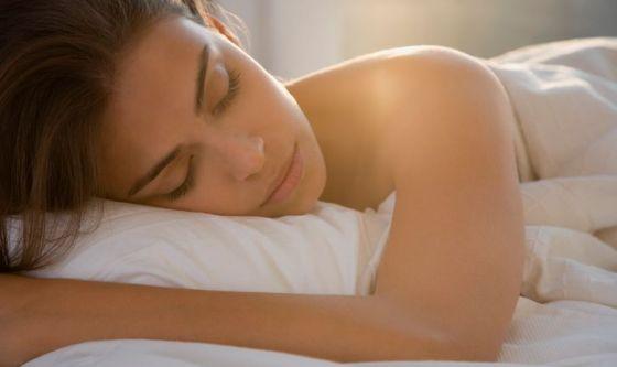 Dormire con il riscaldamento alto fa male alla pelle?