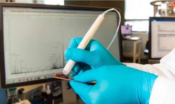 Tumori: un dispositivo li identifica in 10 secondi