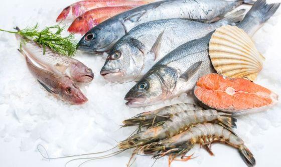 Solo la metà di noi consuma la quantità di pesce consigliata