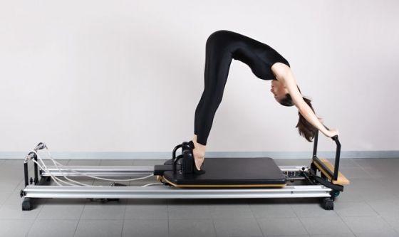Il Pilates per il collo da cellulare