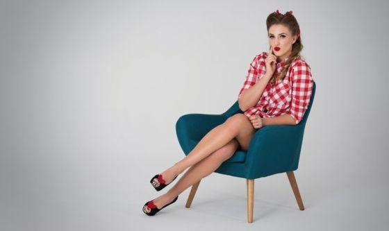 Gambe accavallate: effetti collaterali e falsi miti