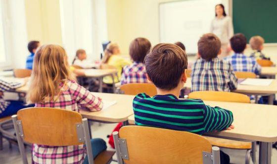 Scuola: il decalogo per una corretta postura sui banchi