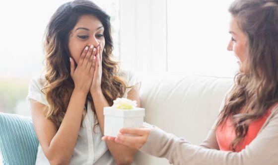 Una donna non regala un profumo ad un'altra donna