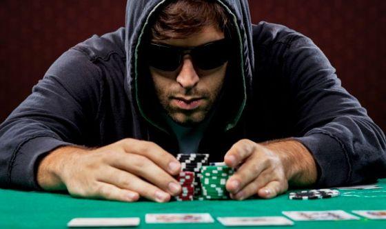 Quale ruolo svolge l'emotività in un giocatore di poker?