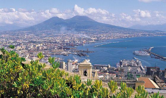 Bella Napoli, ma infernale per gli anziani