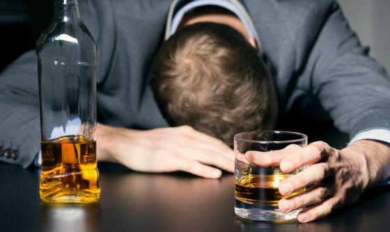 Abuso di alcol: fattore di rischio per la salute del cuore