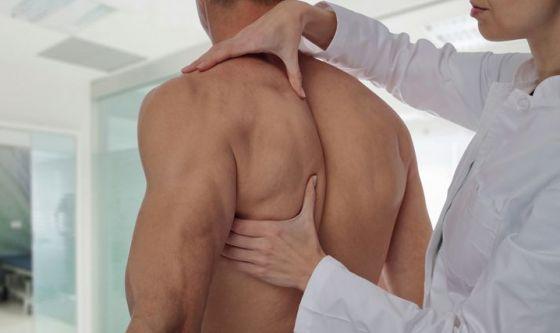Rolfing, la tecnica che rieduca la spina dorsale